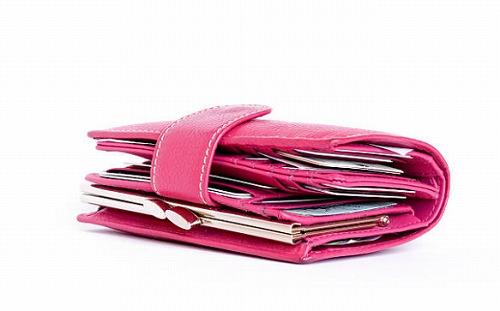 .jpg - 金運を上げる財布の色や手入れの仕方とは?財布を布団に寝かせるといいって本当?