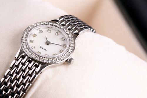 s 2019 09 29 19h18 39 - 仕事運をアップする腕時計の色やタイプは?運気を下げる腕時計はこれだ!